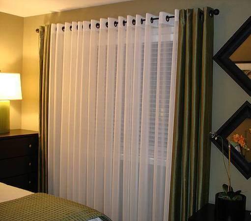 Дизайн штор на люверсах в гостиной